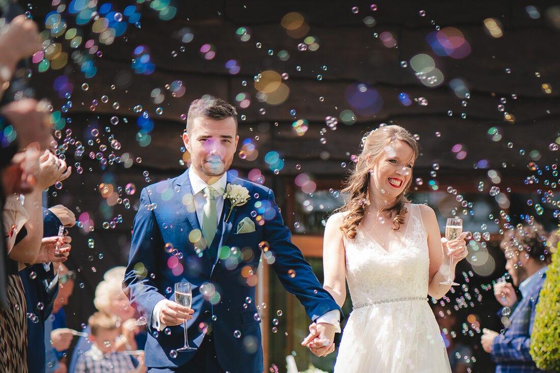 wedding bubbles confetti