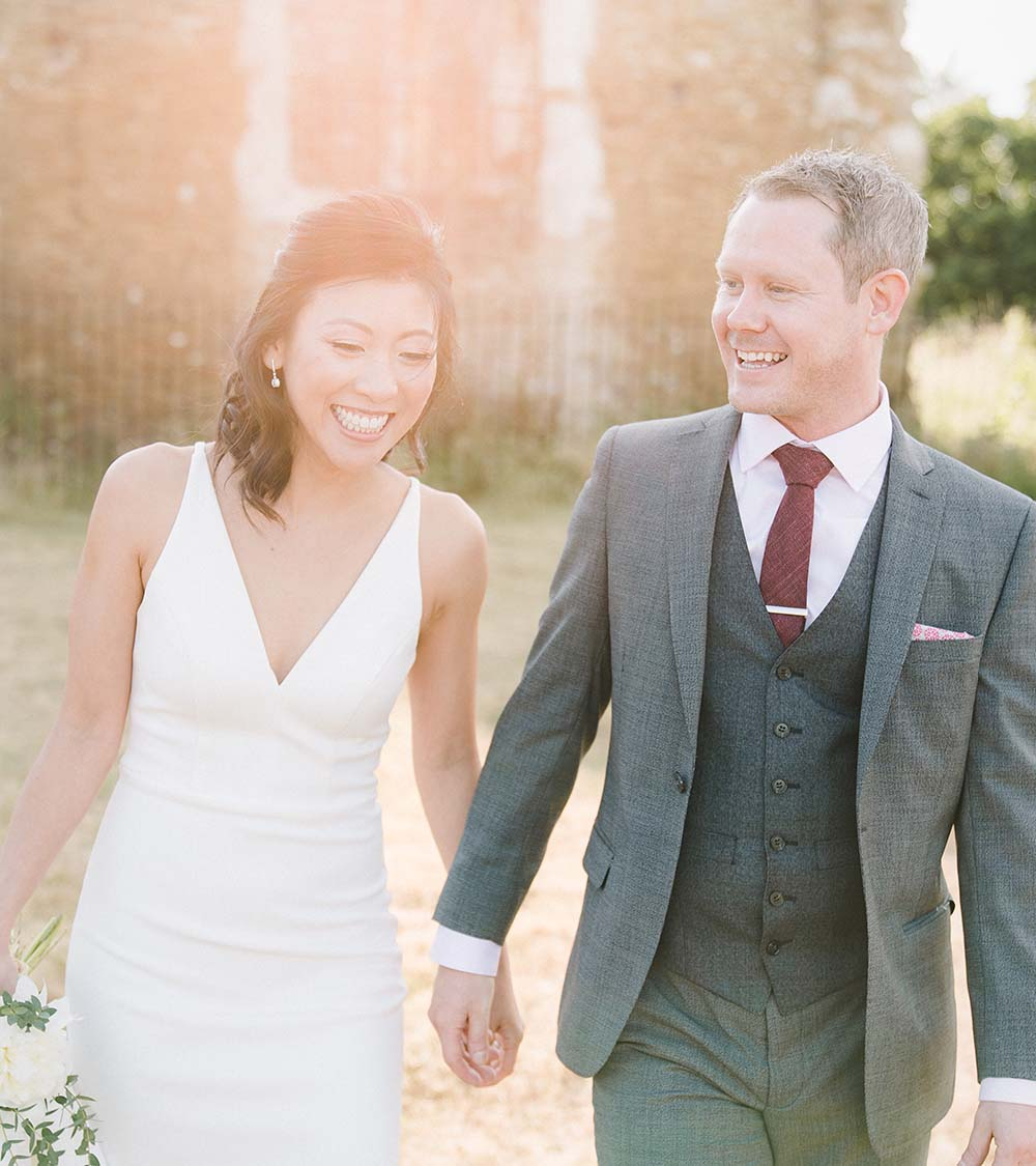 Surrey marriage ceremony at the chapel of love